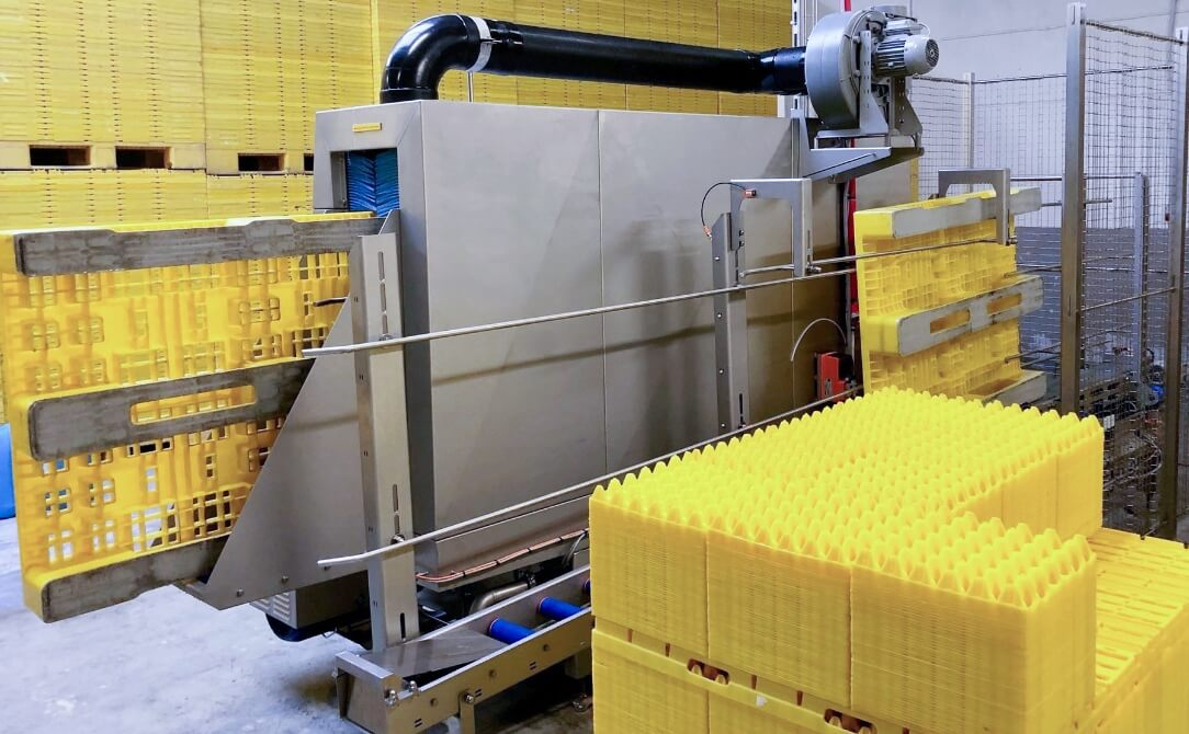 Pallet washer for cleaning pallets (Euro)