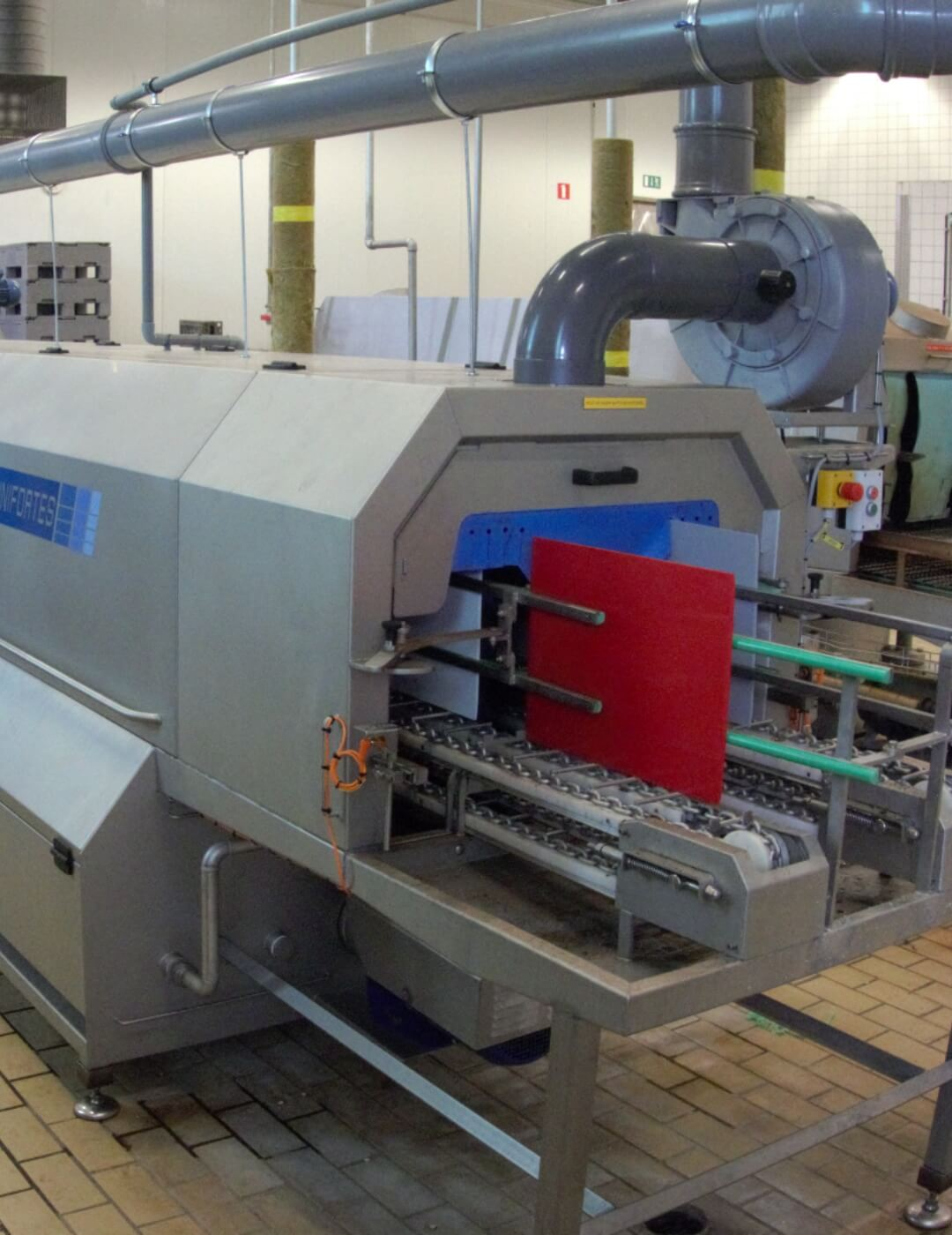 Plate washer for cleaning all types of plates